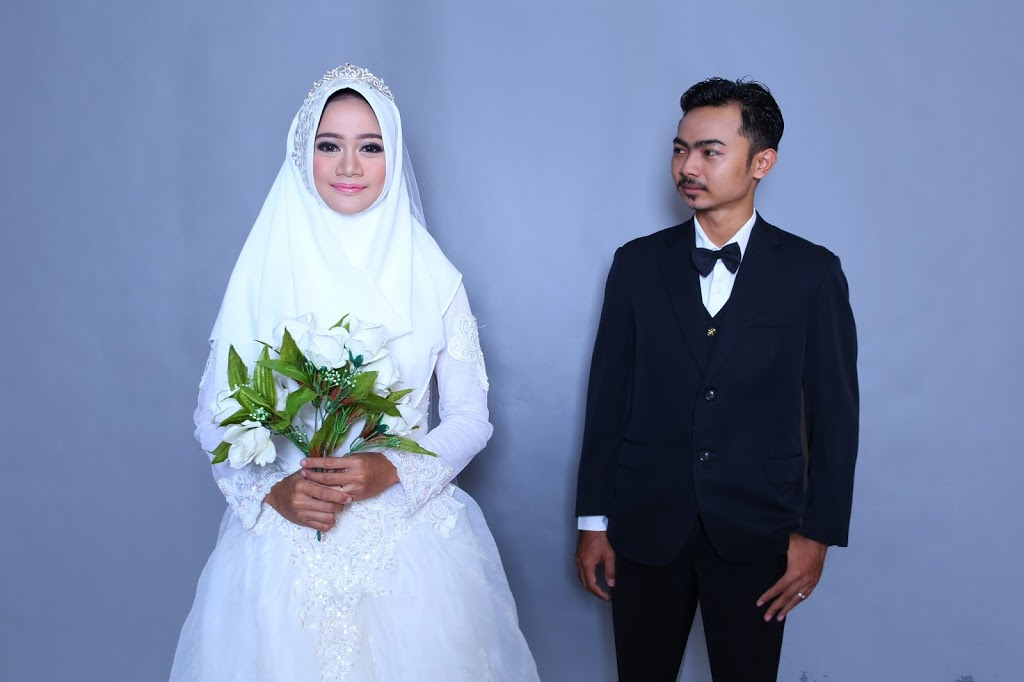 Prewedding Indoor : Simple as Request