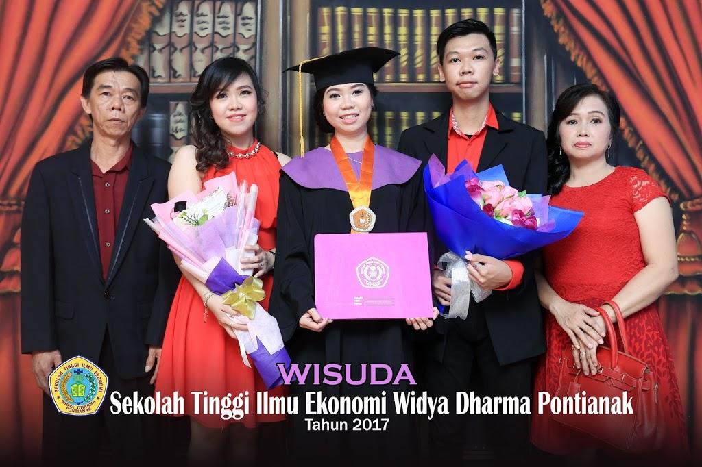 Foto Wisuda Pontianak