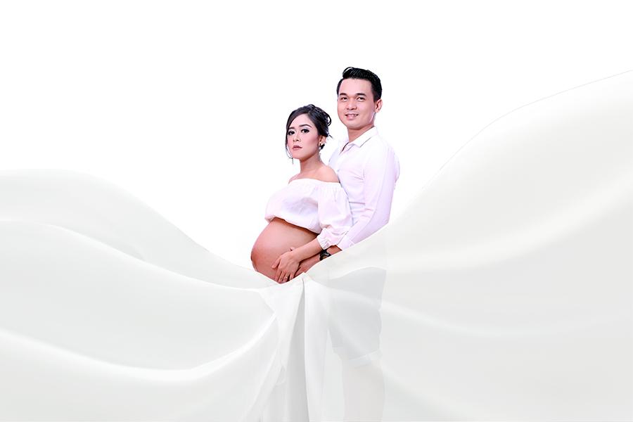 Nai & Davis pregnant