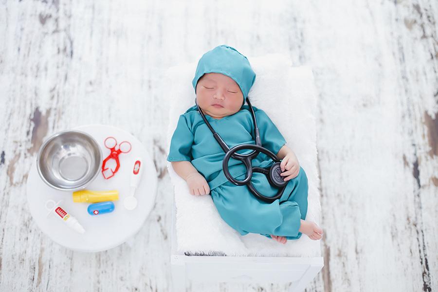 Newborn Baby Pontianak  : Baby Doctor