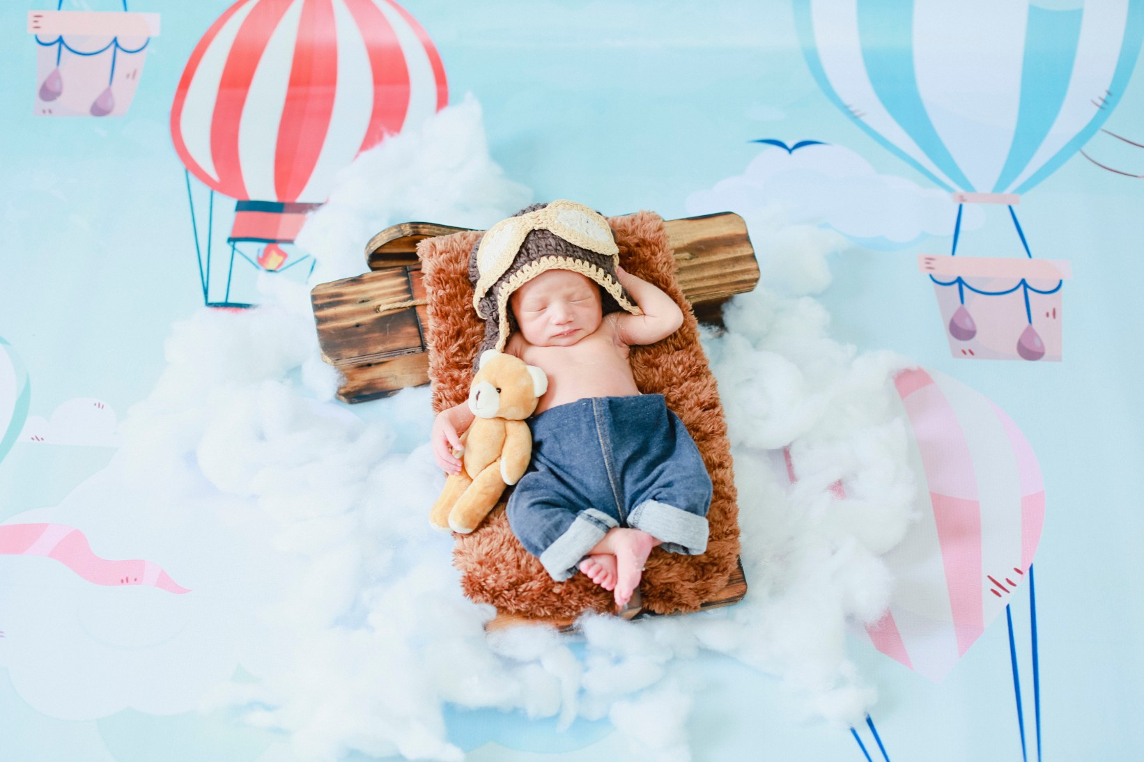 pontianak newborn session : Pillot